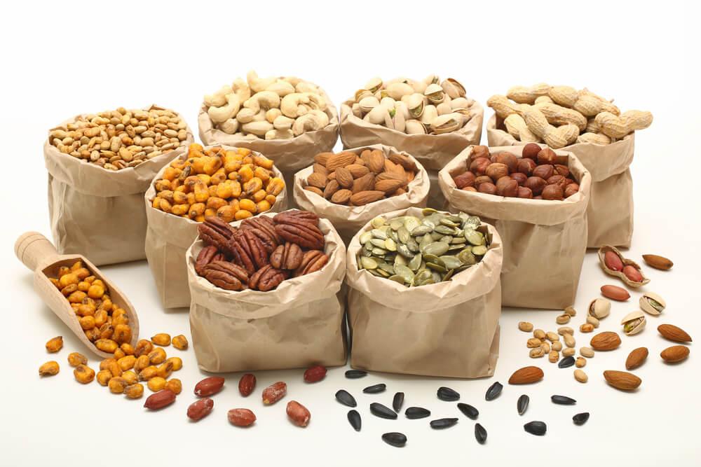 Vegetarische Lebensmittel Nuesse und Samen